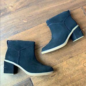UGG NIB Kasen II Heeled Black Boots